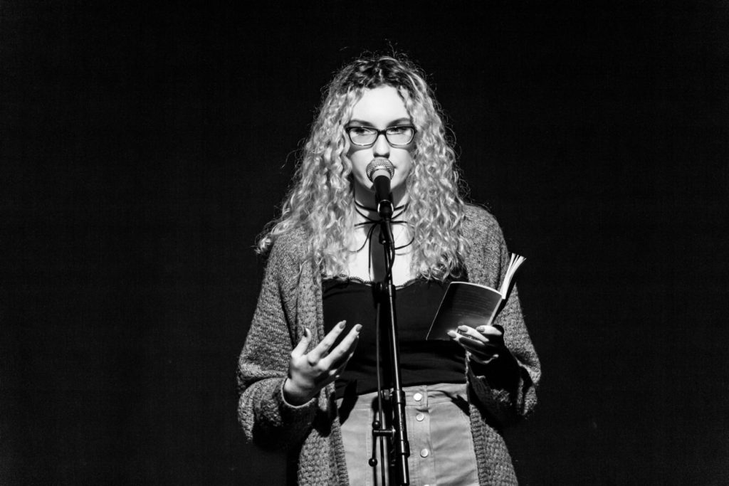 KuFa_-_Poetry_Slam_10_2018_MG_7034_sw-min