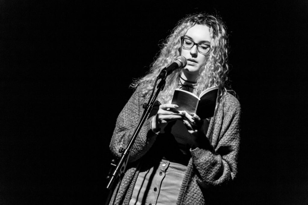 KuFa_-_Poetry_Slam_10_2018_MG_7040_sw-min