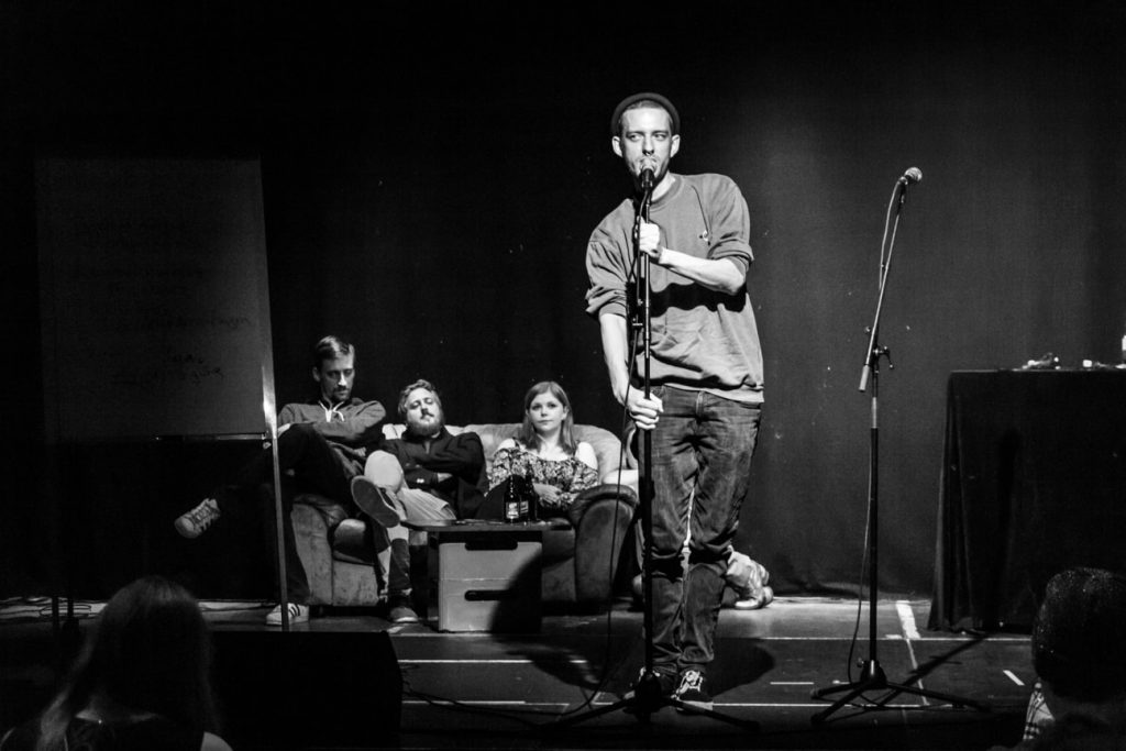KuFa_-_Poetry_Slam_10_2018_MG_7593_sw-min